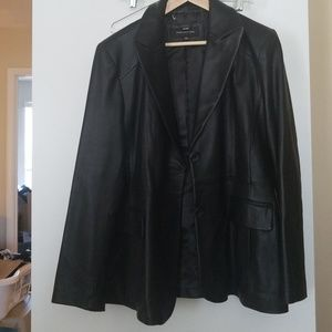 Jone's New York black leather blazer
